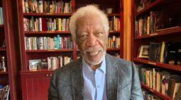 Morgan Freeman faz campanha de vacinação de Covid-19