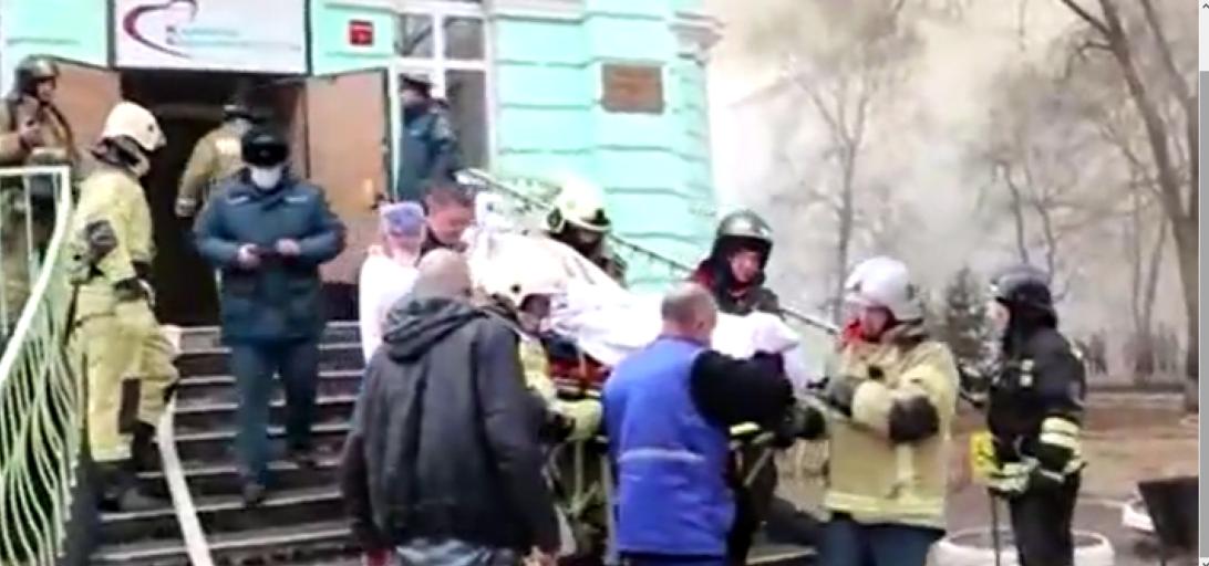 Hospital pega fogo durante cirurgia cardíaca e médicos terminam operação com prédio em chamas