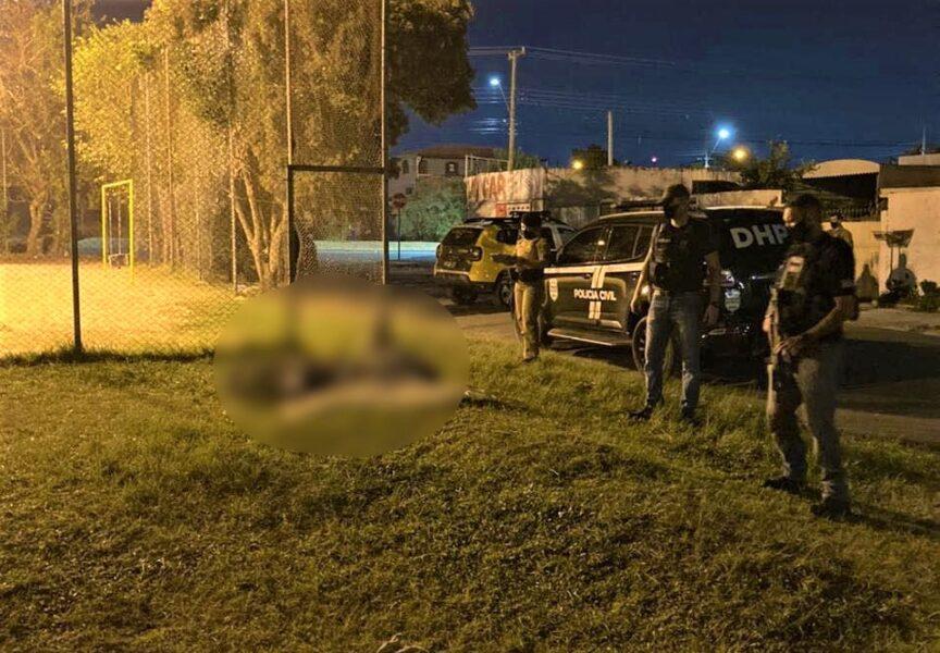 Polícia investiga morte de jovem em praça no Alto Boqueirão, em Curitiba