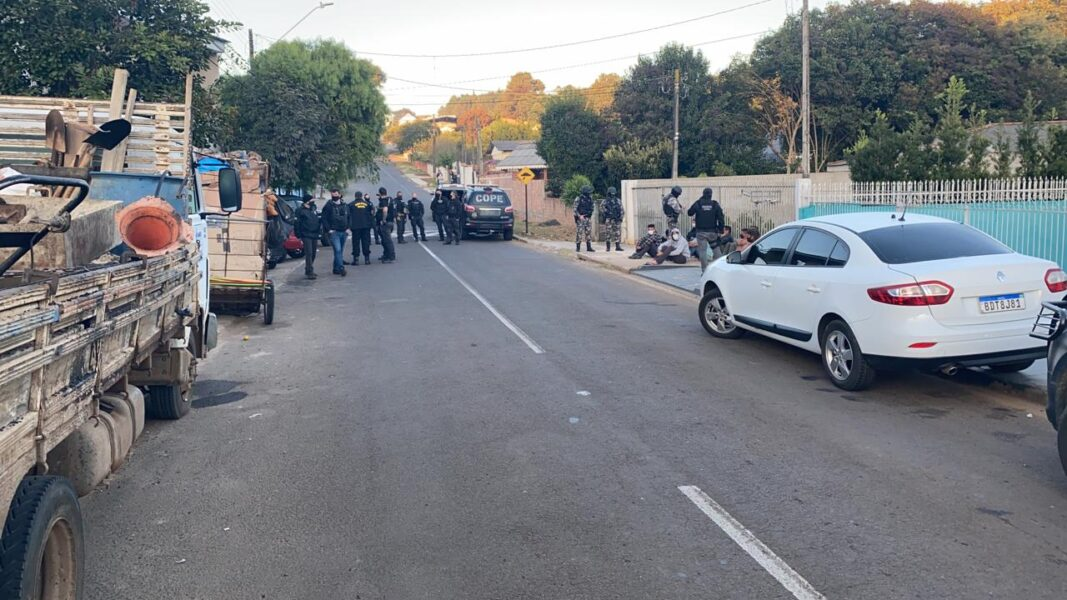 Polícia deflagra operação contra tráfico de drogas, roubos e furtos, em Guarapuava
