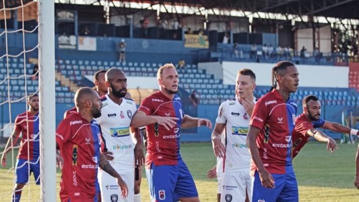 Contra o Cianorte, Paraná Clube tenta a primeira vitória da história no Albino Turbay, por competições oficiais