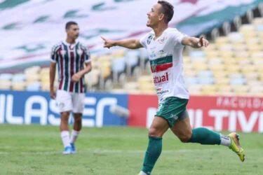 Portuguesa quer se manter no G-4 contra o Bangu; Macaé recebe o Resende