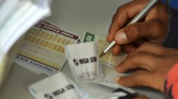 Ninguém acerta seis dezenas da Mega-Sena e próximo sorteio deve pagar R$ 27 milhões