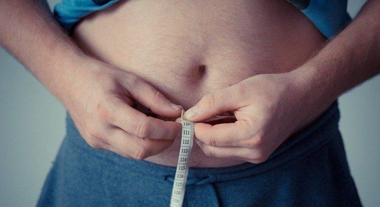 Sobrepeso é fator de risco para intubação, aponta estudo