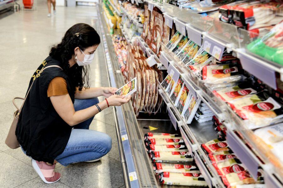 Abre e Fecha: Mercados estarão fechados no feriado deste sábado (1º) em Maringá