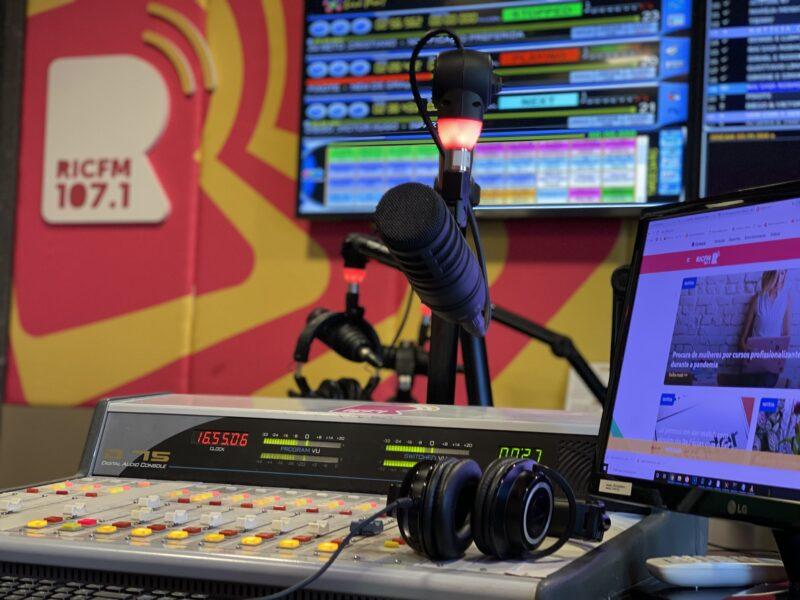 RIC FM recebe Thiaguinho para entrevista exclusiva nesta quinta (29)