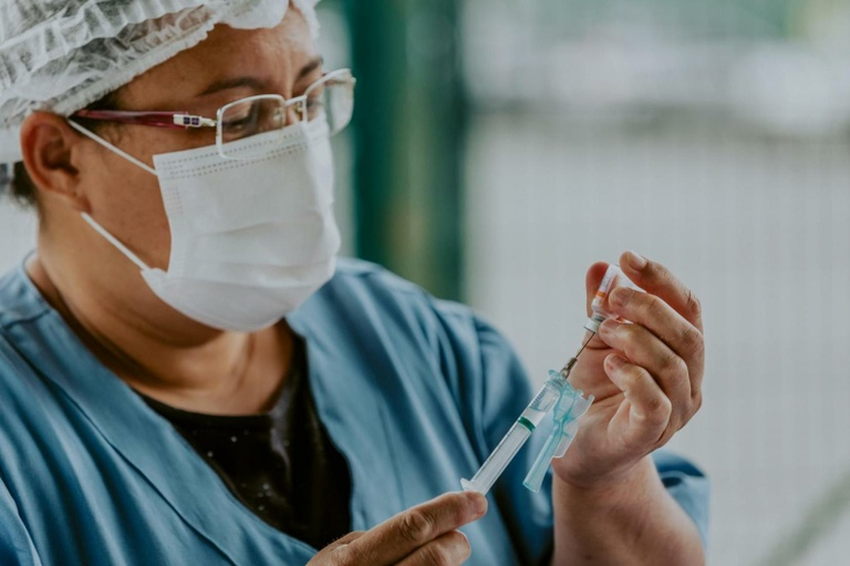 Vereadores de Curitiba pedem 'clareza' à Prefeitura sobre vacinação de pessoas com comorbidades
