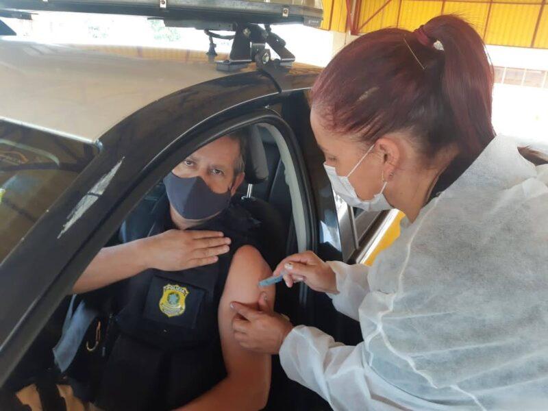 Polícia Rodoviária Federal inicia a vacinação de policiais no Paraná