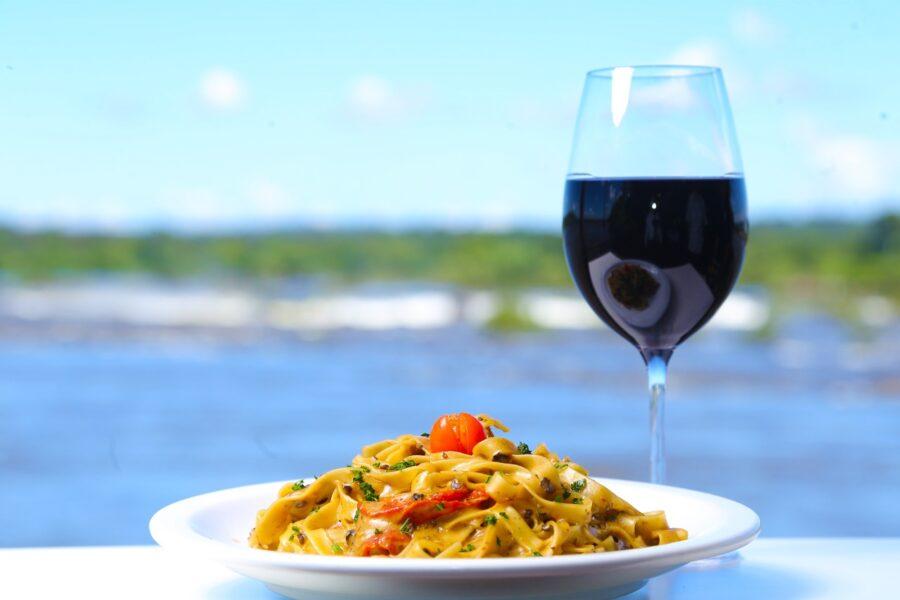 Restaurante Porto Canoas estreia novo cardápio