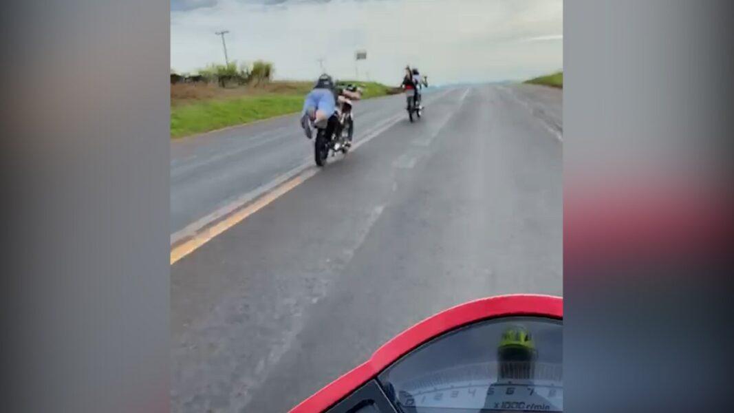 Motociclistas são flagrados a 180 km/h, na BR-369