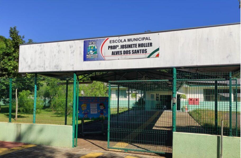Alunos e funcionários de escolas serão testados para retorno das aulas em Foz do Iguaçu