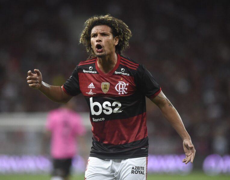 Willian Arão se consolida na zaga e Léo Pereira continuará de lado