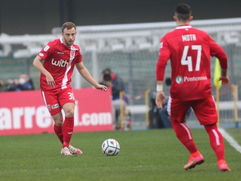 Carlos Augusto, ex-Corinthians, faz avaliação positiva de primeira temporada na Itália