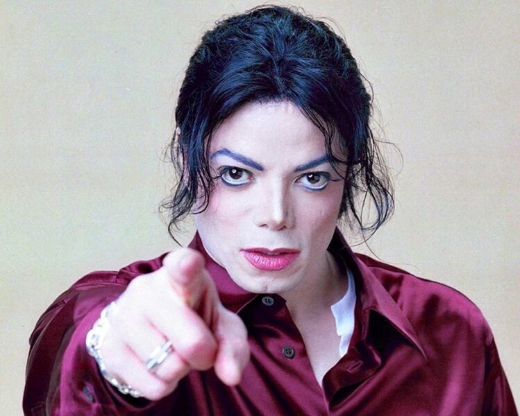 """Médium brasileira afirma que Michael Jackson está vivo: """"A volta será triunfal!"""""""