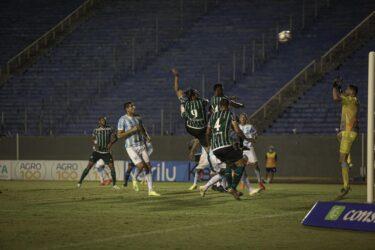 Coritiba perde para o Londrina e amarga a terceira derrota seguida no Parananese