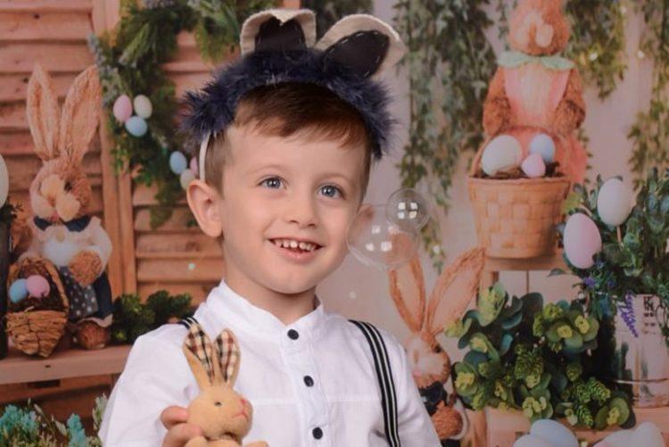Menino de 3 anos morre esmagado por equipamento de bocha