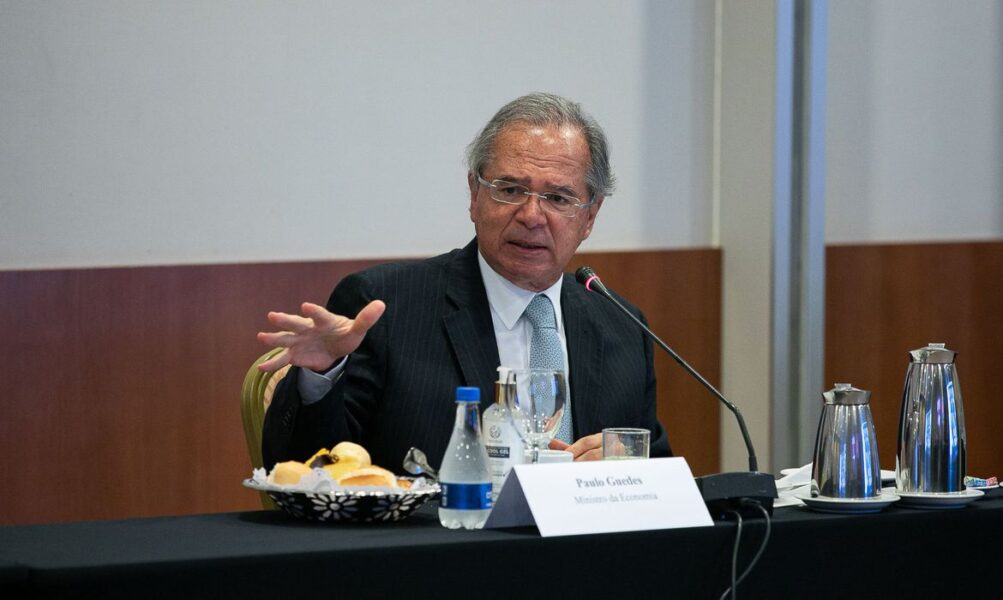 """""""Vamos ter que renovar"""", afirma Guedes sobre auxilio emergencial"""