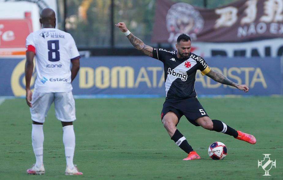 Ricardo Graça projeta bom início de Série B como titular no Vasco