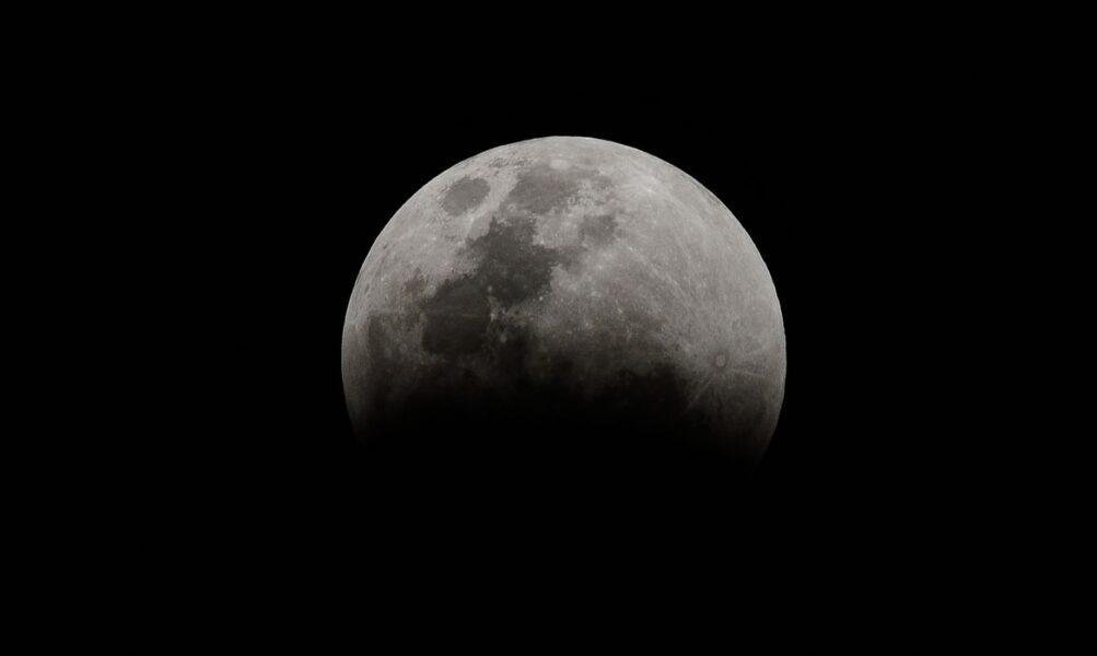 Após seis anos, fenômeno da Superlua será acompanhado de eclipse nesta terça (25)