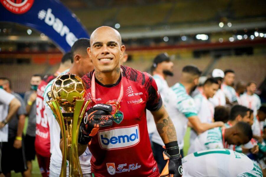 Gleibson, goleiro do Manaus, celebra título estadual e mira sequência na Série C