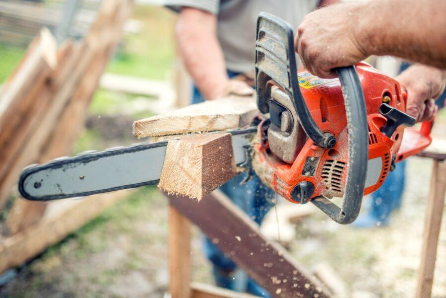 Mau uso da serra elétrica corresponde a 50% dos atendimentos de trauma de mão em pronto-socorro