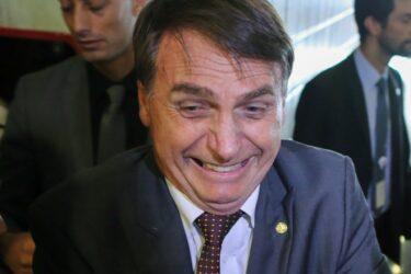 """""""Faltou maconha"""", afirma Bolsonaro sobre os protestos que pediram seu impeachment; assista"""