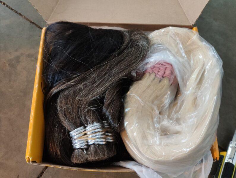 Receita Federal apreende cabelo humano e mercadorias sem nota fiscal, em Foz do Iguaçu
