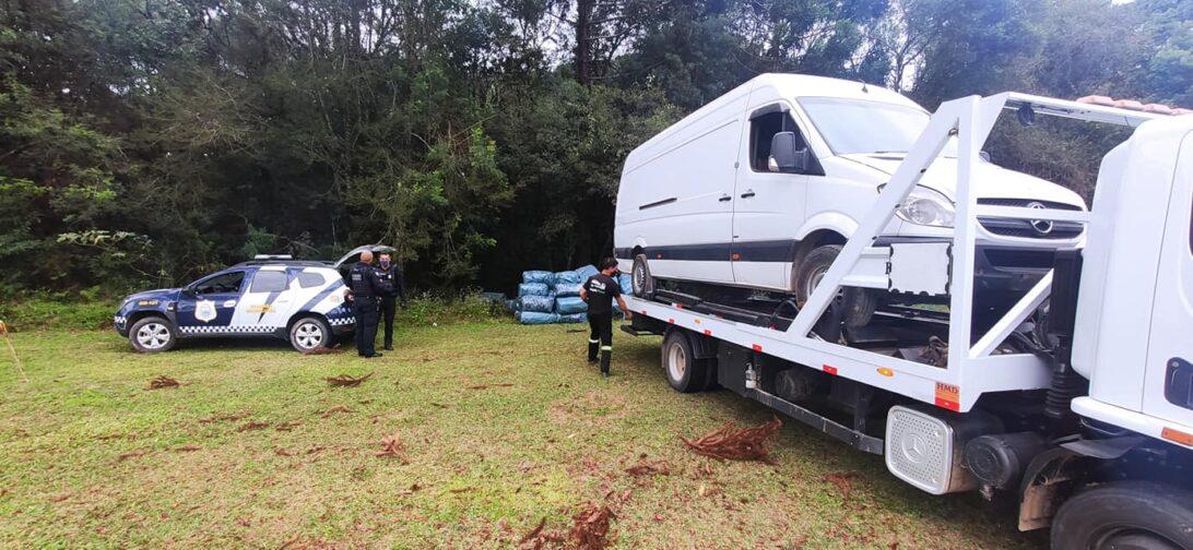 Três homens são presos com veículo e carga roubada avaliada em R$ 50 mil