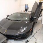 Homem compra carros de luxo com dinheiro do governo e é preso