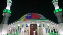 Imigrantes juntam bandeiras do Brasil e da Palestina em solidariedade a Jerusalém