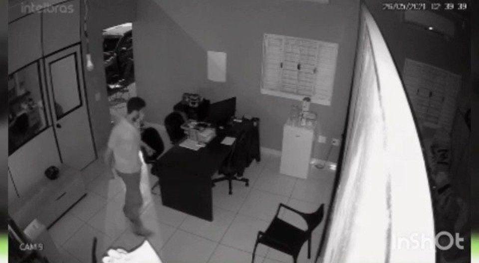 Homem reage a assalto e mata ladrão sem perceber que era seu irmão