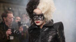 Emma Stone fala de sua transformação na vilã Cruella em vídeo