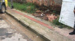 Criança sai para ir ao reforço escolar e é encontrada morta em calçada