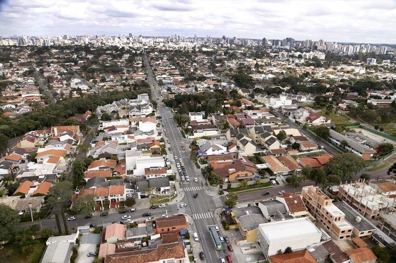 Curitiba entra em bandeira vermelha; saiba como ficam as atividades