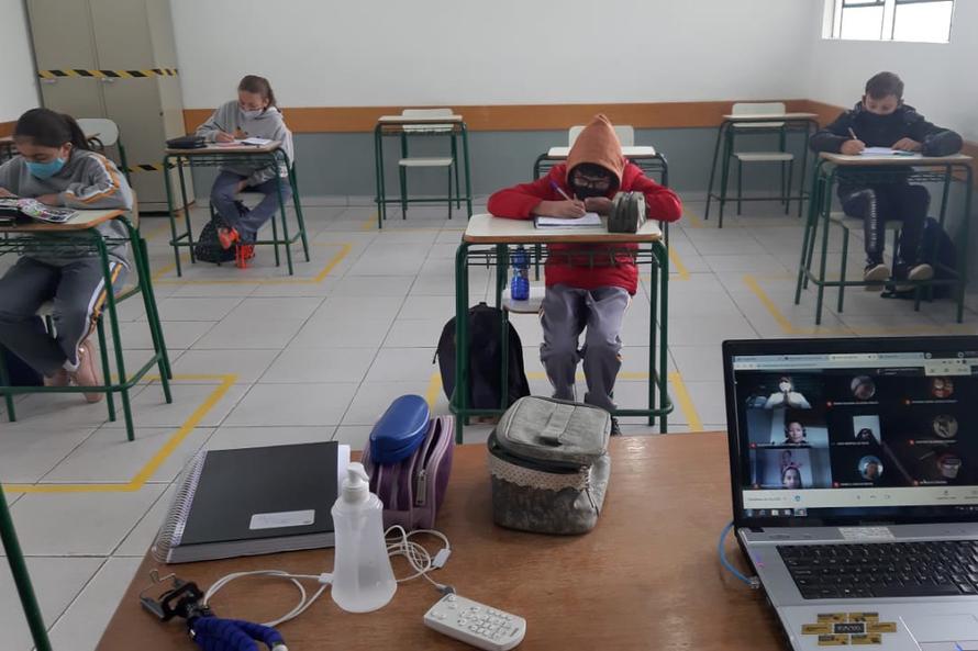 Mais 627 escolas estaduais retomam aulas presenciais nesta segunda-feira (24)