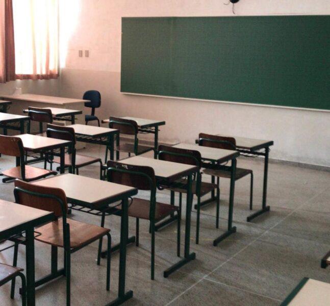 Imunização de 220 mil profissionais da educação ajuda rede estadual na retomada das aulas presenciais