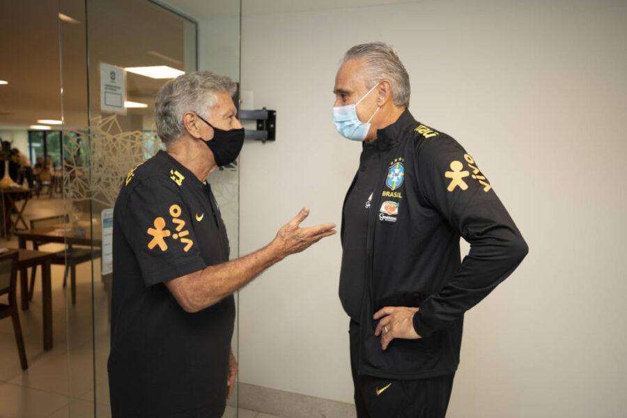 Ídolo do Santos é recebido na Granja para chefiar delegação da Seleção Brasileira