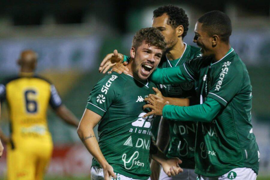 Após briga entre atletas, técnico do Guarani planeja resolver situação internamente