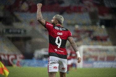 Flamengo bate o Fluminense e levanta a taça do Campeonato Carioca