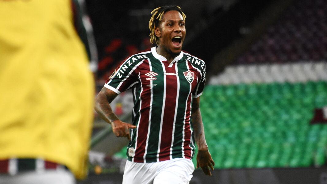 Abel Hernández será desfalque do Fluminense contra o Athletico-PR