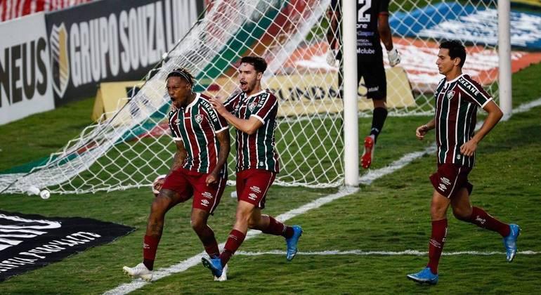 Fluminense e Portuguesa empatam no jogo de ida da semifinal do Carioca
