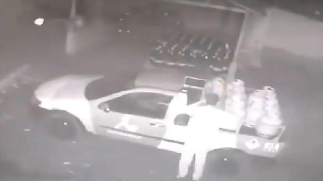 Ladrão pula muro e furta botijão de gás de distribuidora, em Cambé; veja vídeo