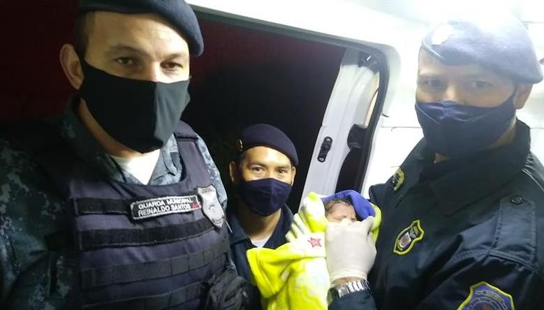 Guardas municipais auxiliam nascimento de bebê no bairro Caximba