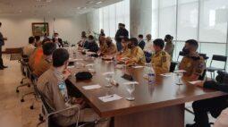 Ratinho Junior assina decreto que regulamenta diária por atividade extrajornada para policiais