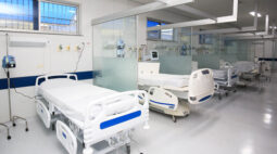 Hospitais estão lotados em Maringá por conta dos casos de covid-19