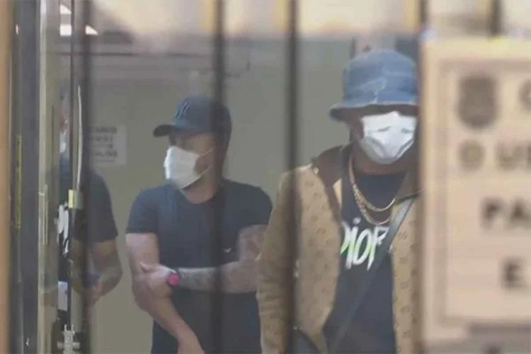 Arboleda, do São Paulo, e David Neres, do Ajax, são flagrados em festa clandestina