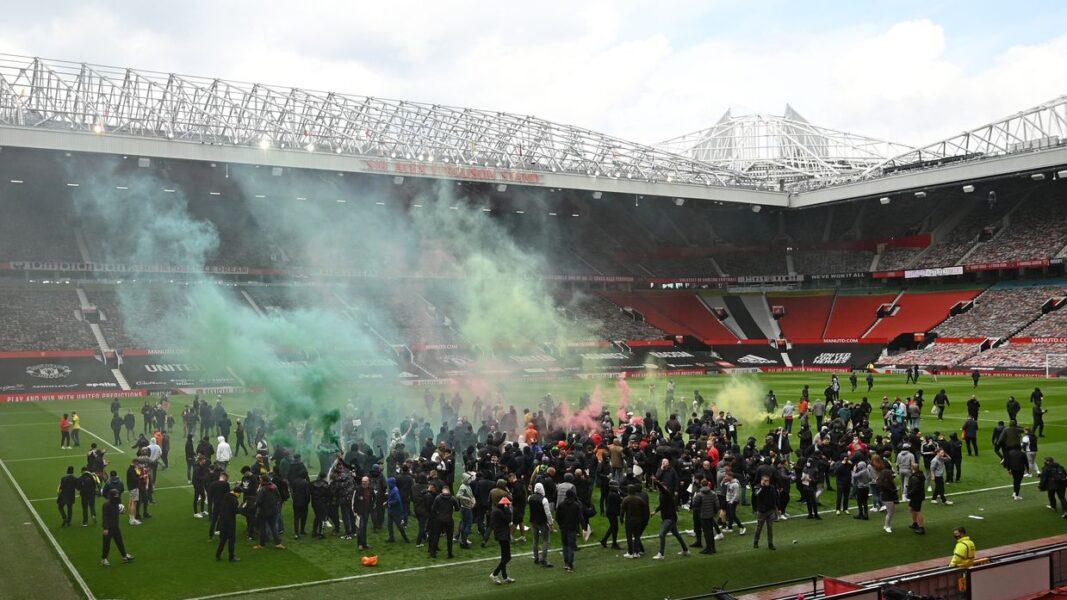 """Manchester United se manifesta e condena atos de vandalismo no estádio: """"Caso de polícia"""""""