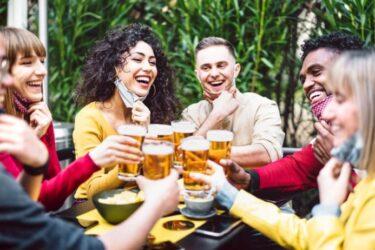 EUA devem oferecer cerveja de graça a quem tomar vacina contra a Covid-19