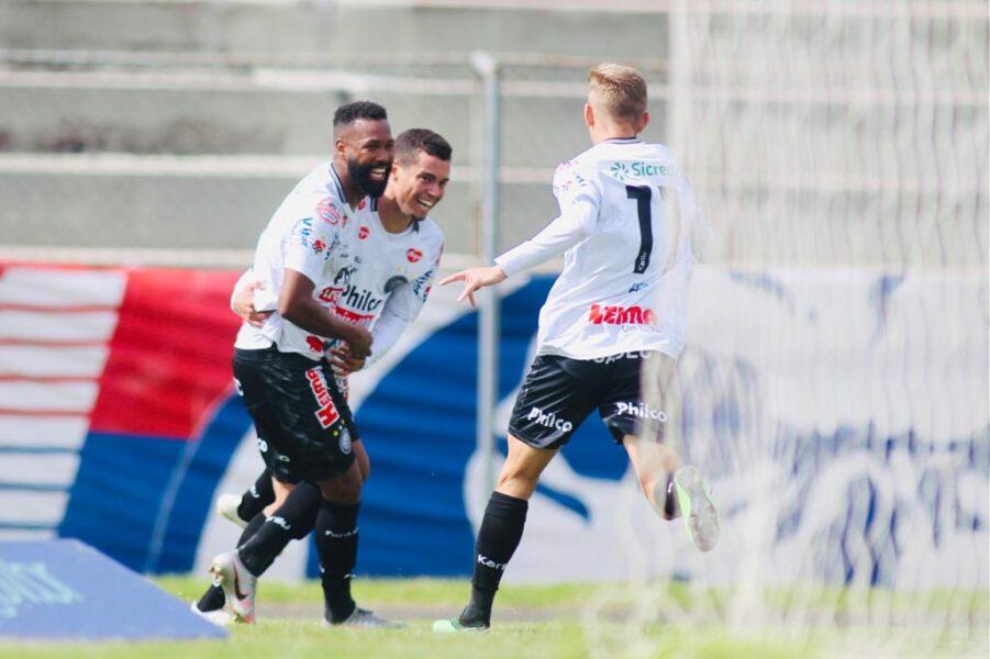 Paraná perde para o Operário na Vila Capanema e enfrentará o Athletico nas quartas