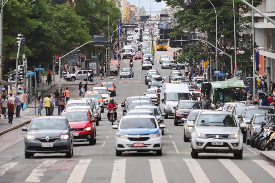 Paraná registra aumento de 41% na circulação de veículos, indica pesquisa